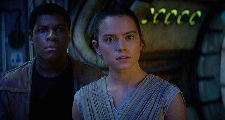 """W """"Przebudzeniu Mocy"""" miał znaleźćsięwątek miłosny między Rey i Finnem"""