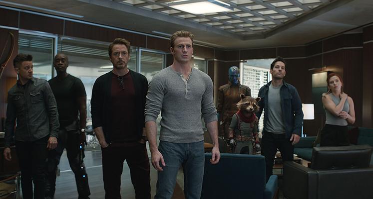 """Nowa wersja """"Avengers: Koniec gry"""" wchodzi do kin – nowe spoty i zdjęcie z finałowej bitwy"""