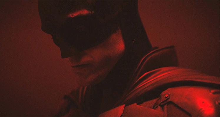 Robert Pattinson w stroju Batmana w oficjalnym klipie!