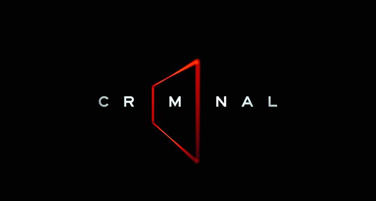 """Antologia """"Criminal"""" – bezspoilerowa recenzja serialu. Międzynarodowy spektakl w sali przesłuchań"""