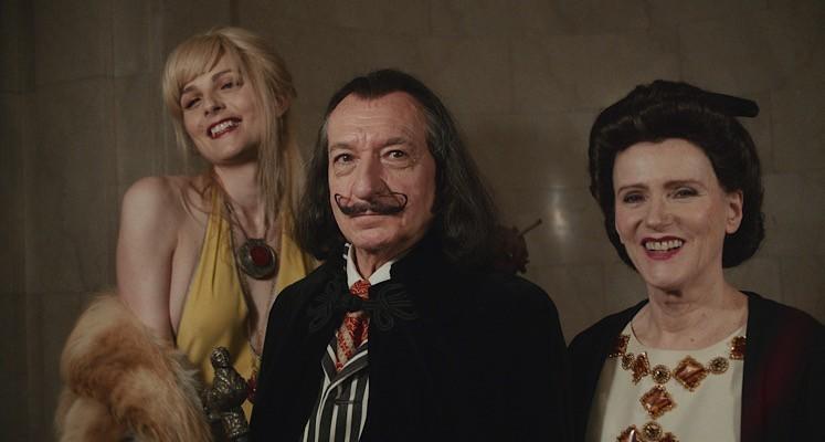 Ben Kingsley jako Salvador Dalí na pierwszym zdjęciu z filmowej biografii