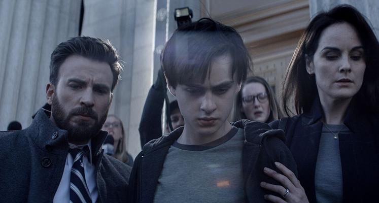 """Zdjęcia z serialu """"Defending Jacob"""" z Chrisem Evansem w roli głównej"""