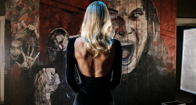 """Agata Buzek na zdjęciu z filmu """"Erotica 2022"""" od Netfliksa"""