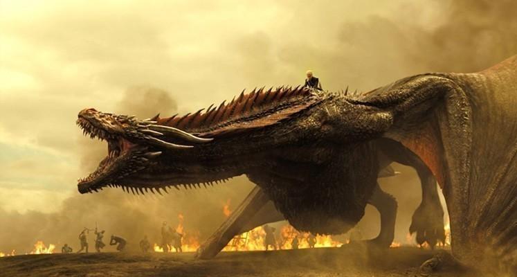 """Graham McTavish na planie """"House of the Dragon"""". Nowe zdjęcia potwierdzają obecność smoków"""