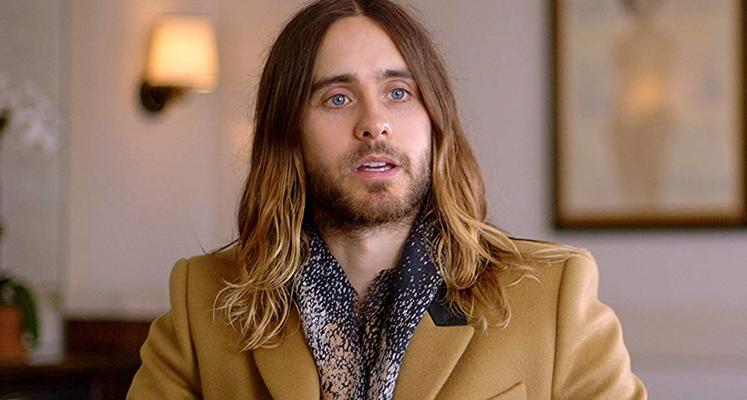 """Jared Leto nie do poznania na nowych zdjęciach z planu """"House of Gucci"""""""