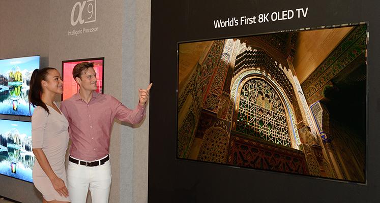 Kiedy premiera pierwszego zwijanego OLEDa i flagowego modelu OLED 8K?