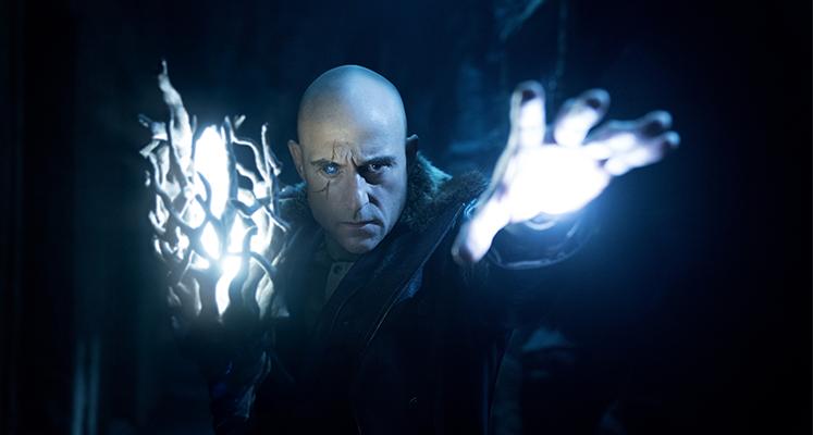 """Mark Strong nie powróci w """"Shazam! Fury of the Gods"""". Co z postacią Czarodzieja?"""