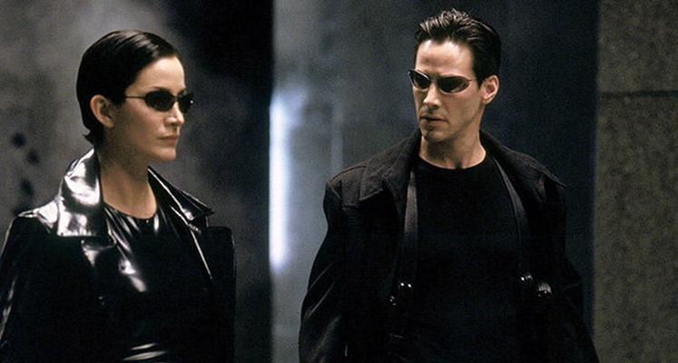 """Skok z wieżowca na planie filmu """"Matrix 4"""" – nowe nagrania i zdjęcia"""