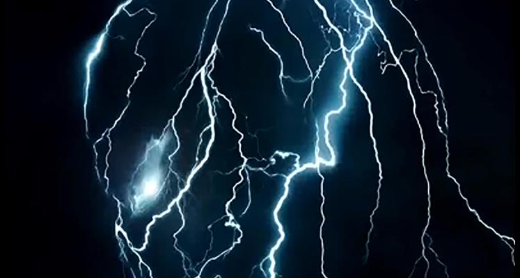 Pokaz siły Predatora i Olivia Munn na nowych zdjęciach z filmu