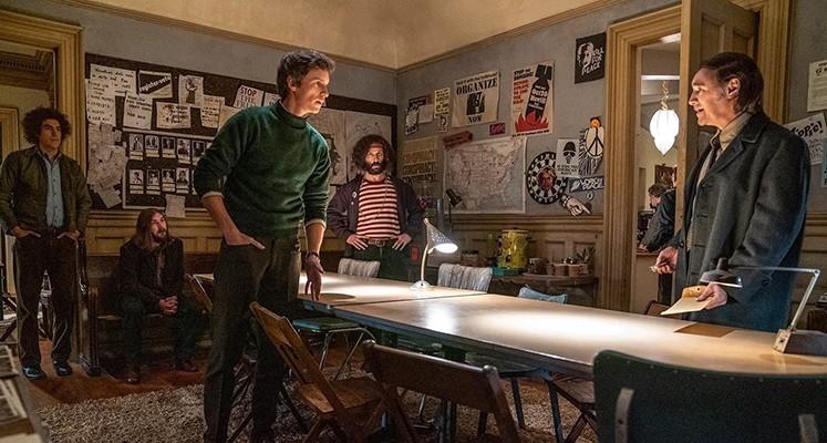 """Pełny zwiastun filmu """"Proces Siódemki z Chicago"""" od Sorkina"""