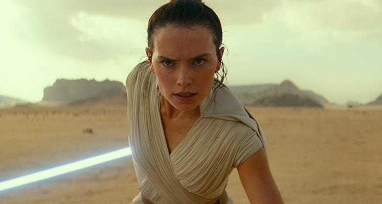 """Rey na nowym zdjęciu z filmu """"Skywalker. Odrodzenie"""""""