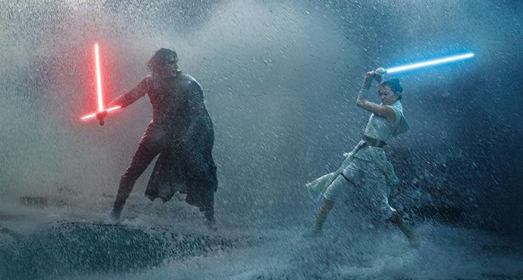 """""""Skywalker. Odrodzenie"""" lepszy niż """"Ostatni Jedi"""". Znamy wyniki z poniedziałku"""
