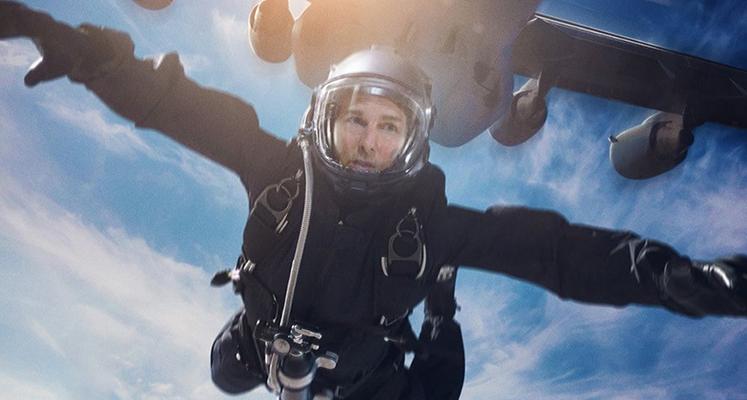 Z jakiej wysokości skakał Tom Cruise? Zobaczcie nowy spot o skoku HALO