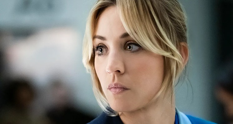 """Kaley Cuoco jako stewardessa z problemami w zwiastunie """"The Flight Attendant"""""""