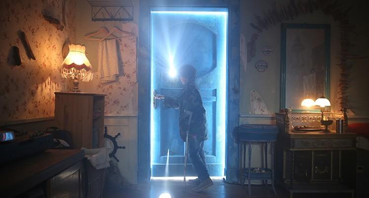 [Obrazek: za-niebieskimi-drzwiami-miniaturka-02.jpg]