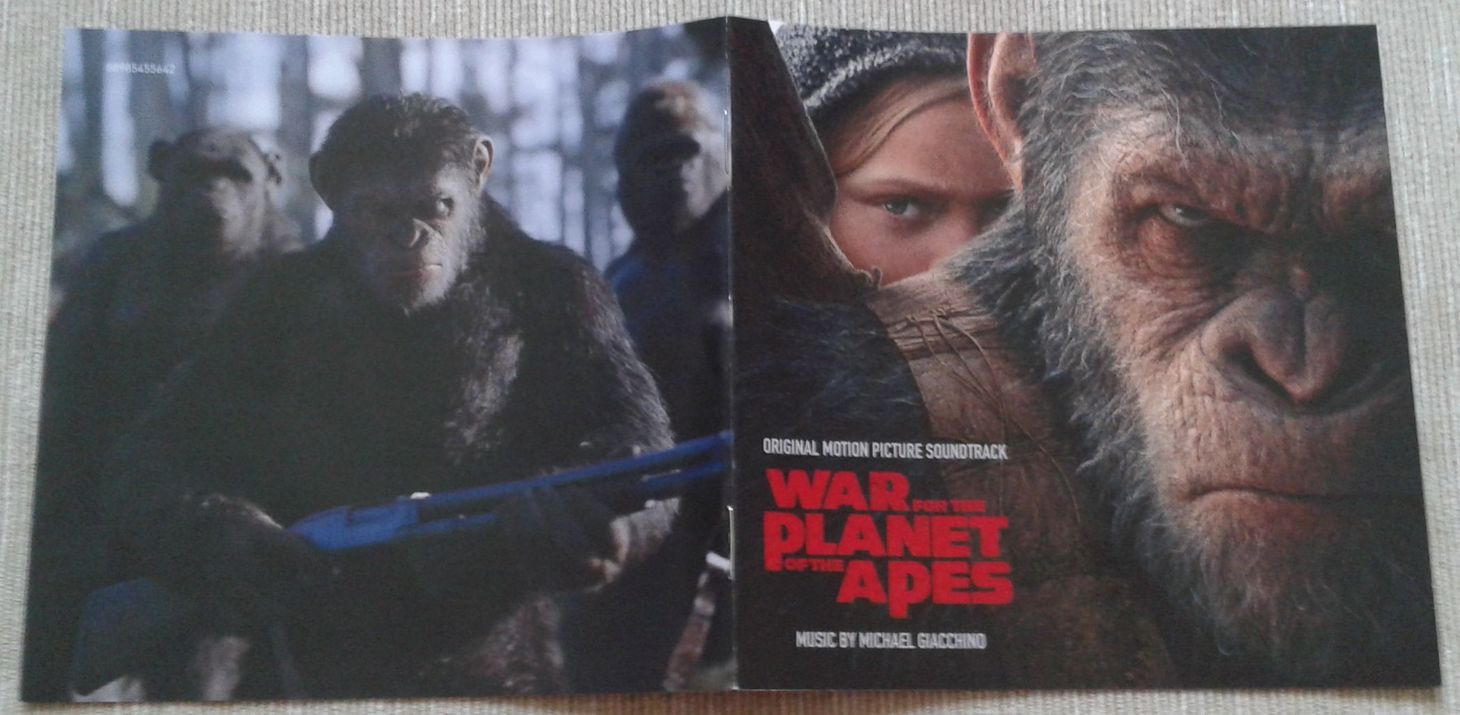 5. War for the Planet of the Apes booklet 1.jpg