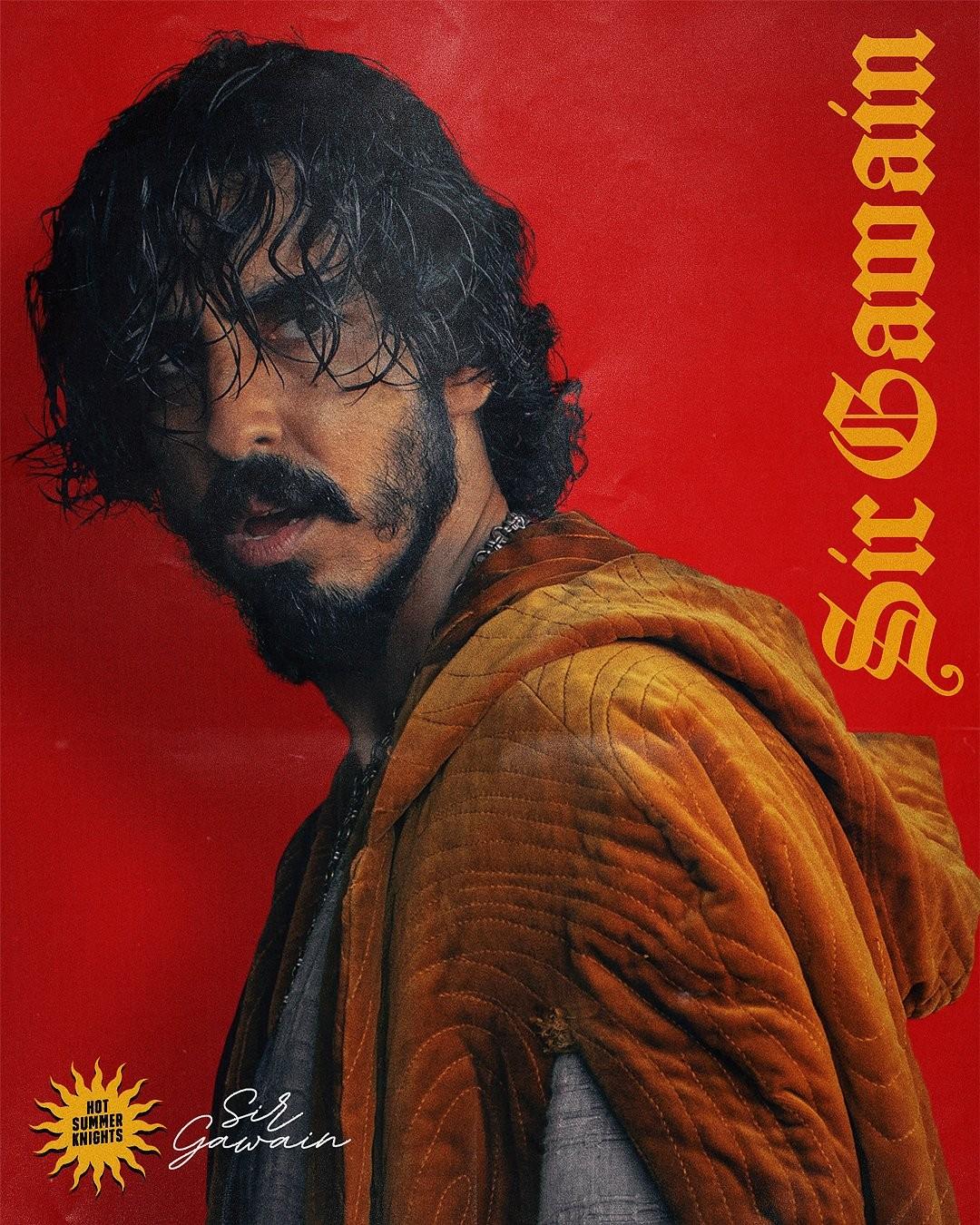Dev Patel na plakacie filmu Zielony Rycerz
