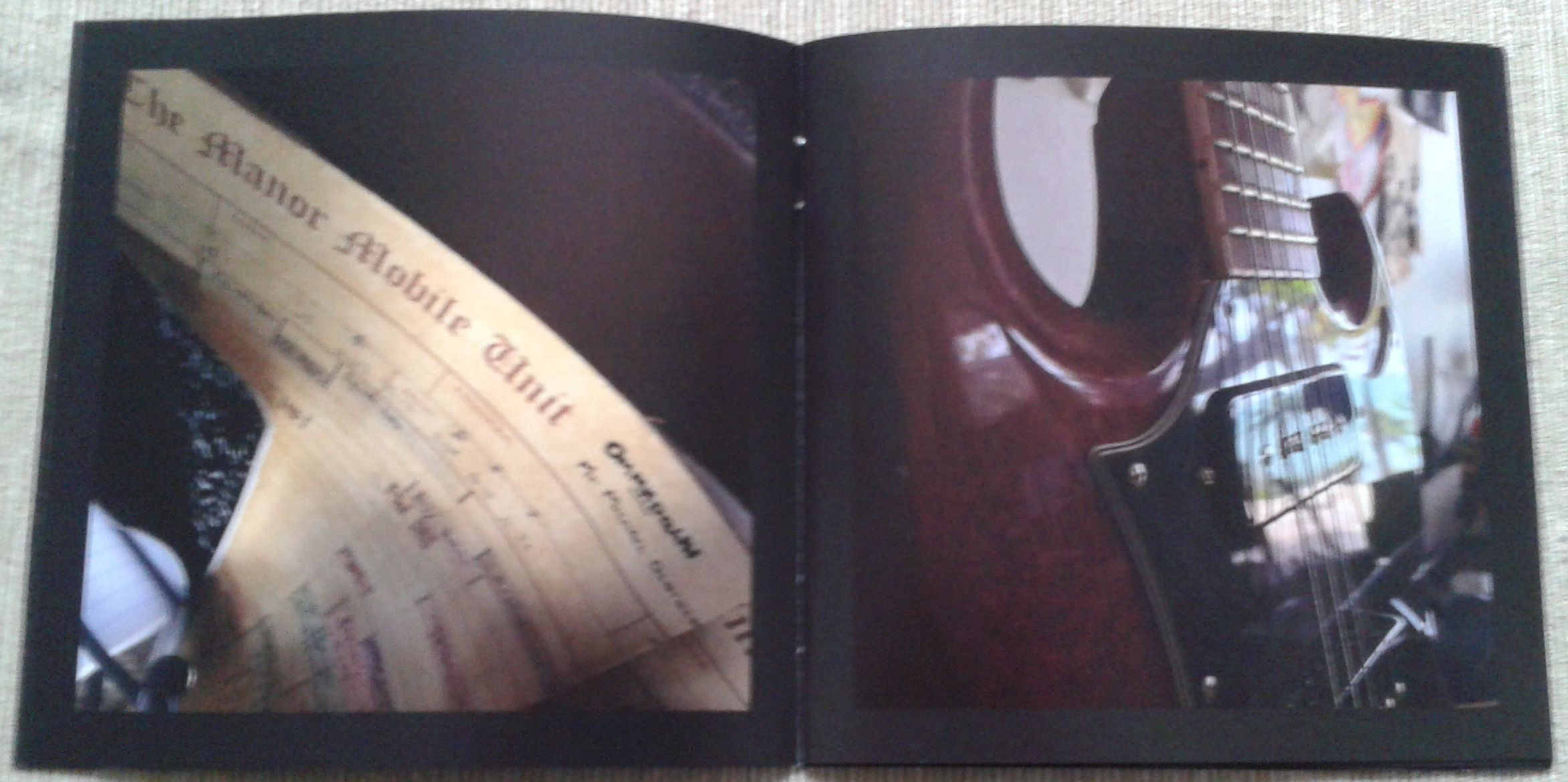 7. Return to Ommadawn booklet 3.jpg