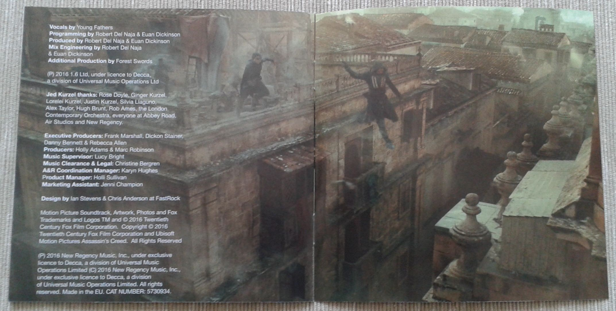 9. Assassins Creed booklet 5.jpg