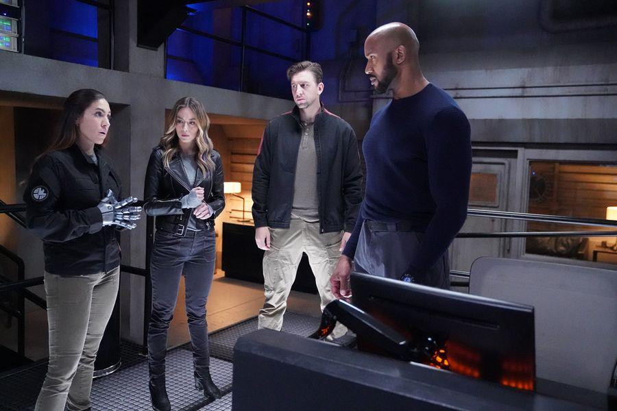 agents-of-shield-episode-610-leap-promotional-photo-05_FULL.jpg