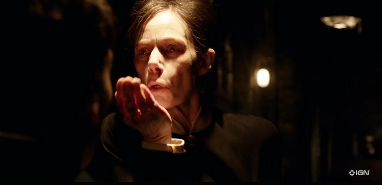 """Eugenie Bondurant jako The Occulist w filmie """"Obecność 3: Na rozkaz diabła"""""""