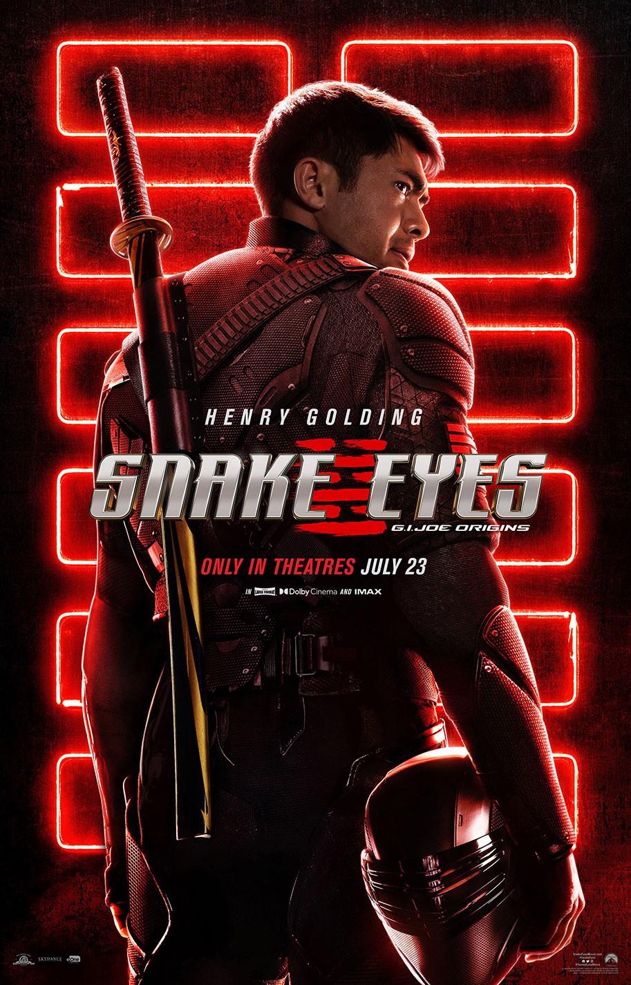 """Henry Golding na plakacie filmu """"Snake Eyes"""""""