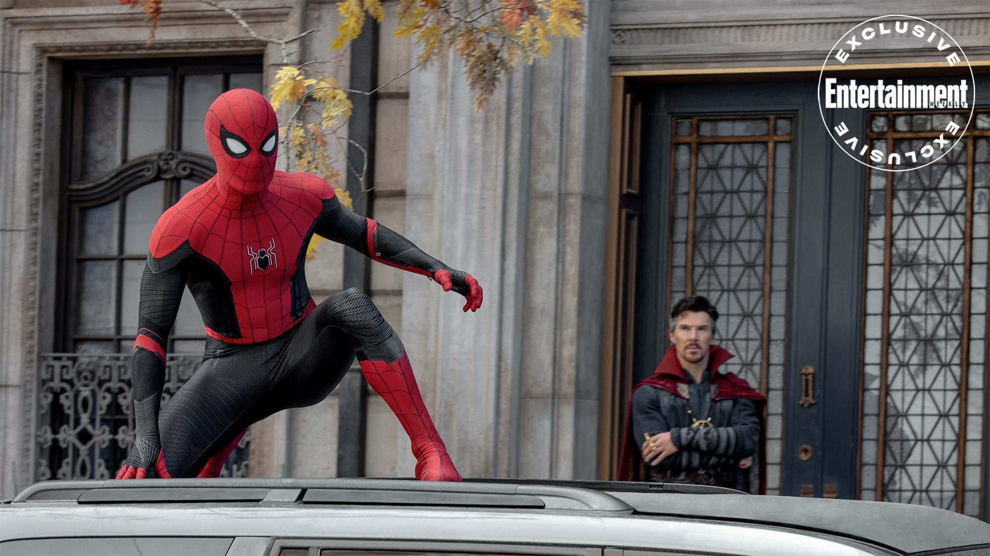 spider-man bez drogi do domu Tom Holland jako Spider-Man i Benedict Cumberbatch jako Doktor Strange