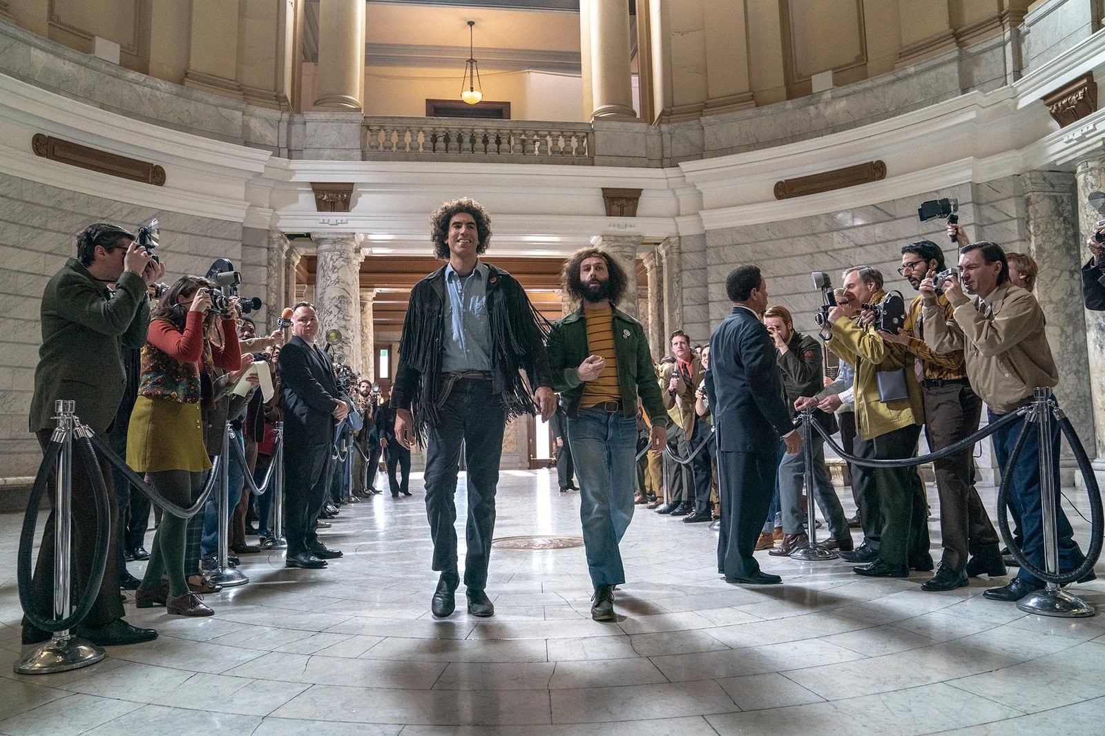 """""""The Trial of the Chicago 7"""" – pierwsze zdjęcia z nowego filmu Sorkina"""