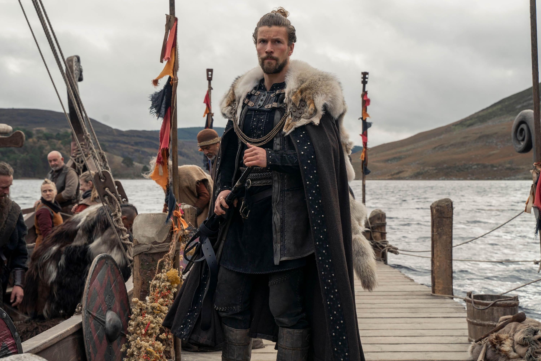 LEO SUTER jako HARALD w serialu Wikingowie: Walhalla